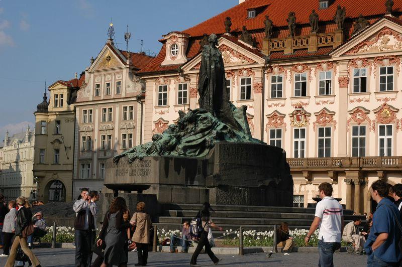 布拉格老城广场 胡斯雕像