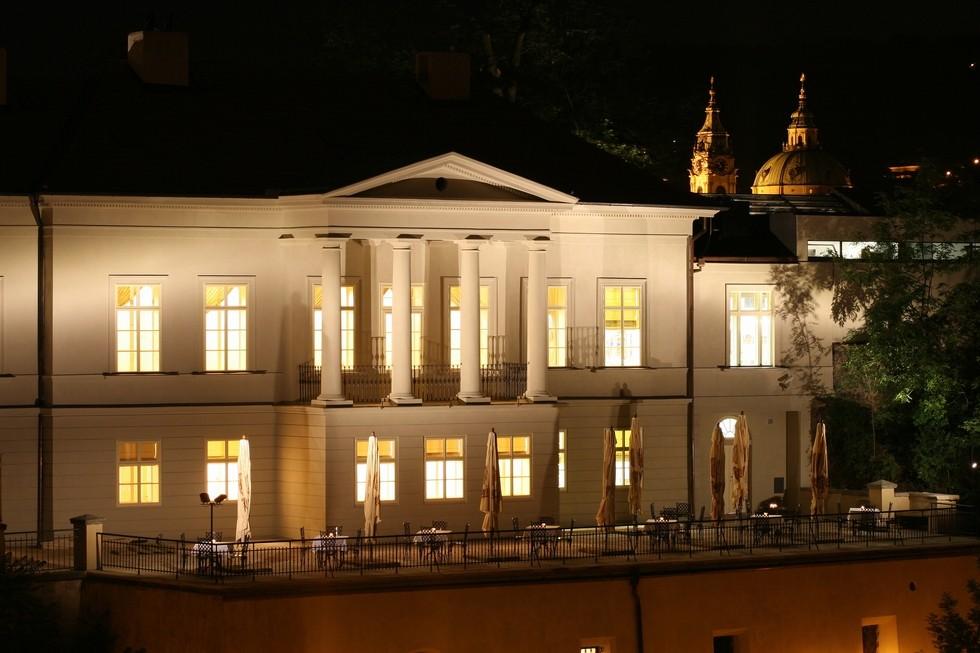布拉格罗森贝克宫